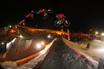 whitestyle-2009_andreu_lacondeguy_supermanseatgrab_bylarsscharl