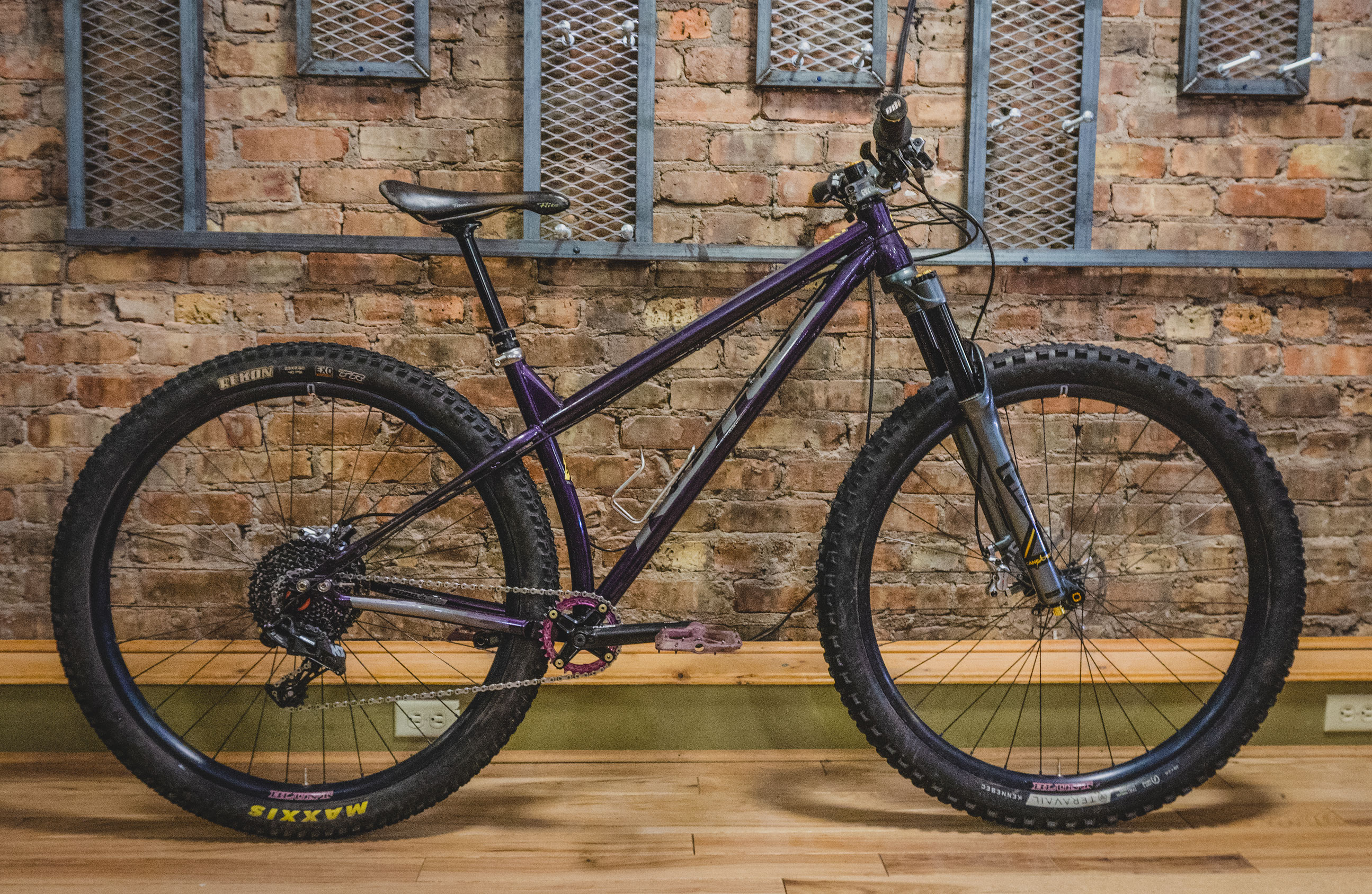 2fad87bd802 Steel hardtails are pretty popular among the shop employees. When the  purple colorway Honzo ST was released, almost all of us ordered a frame.