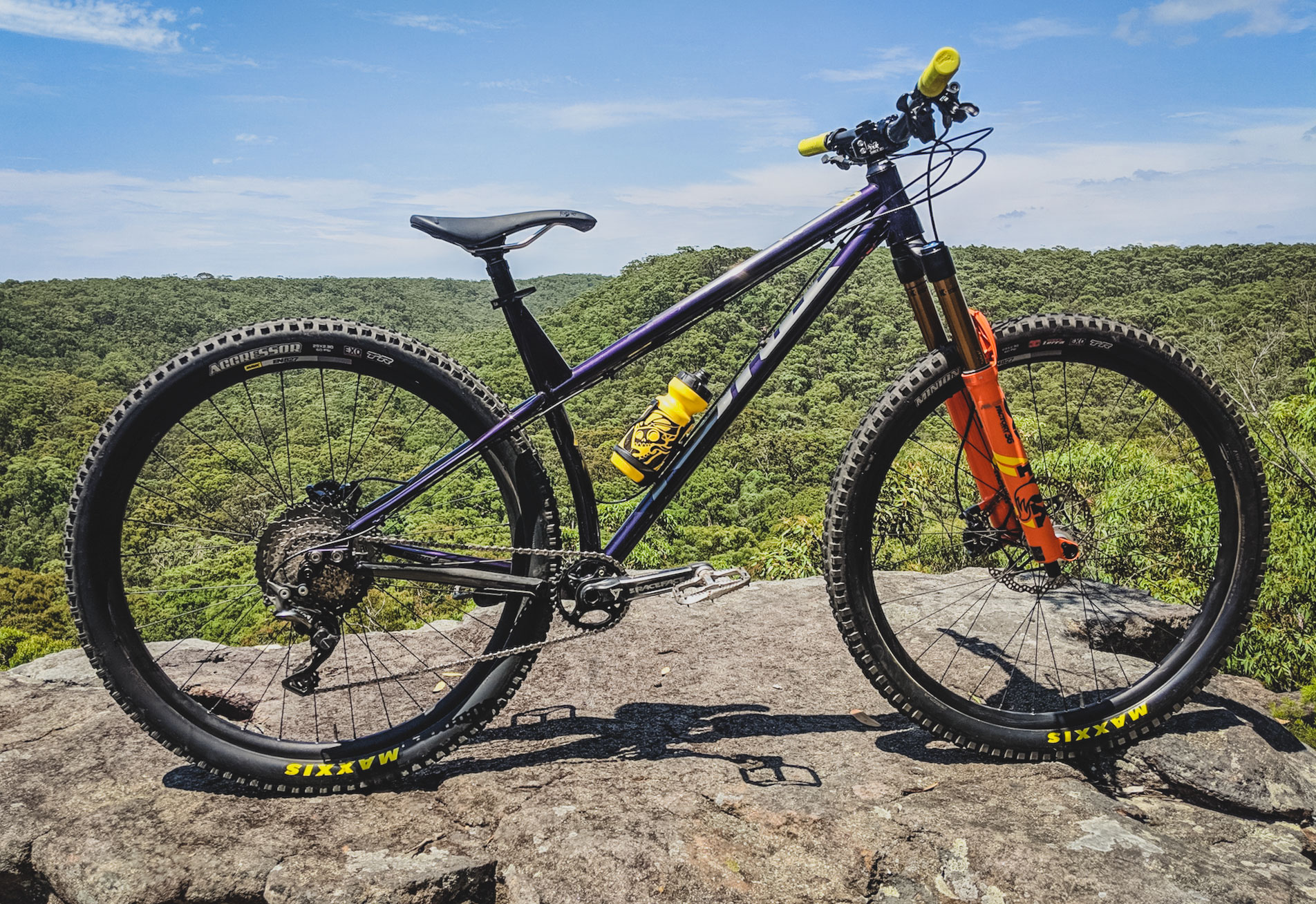 Kona Dream Builds: Craig McPhee's Burly Enduro Smashing Custom Kona Honzo ST